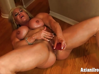 Aziani Iron mature bodybuilder with big clit