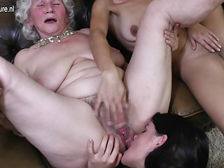 Three old and young lesbos have good sex