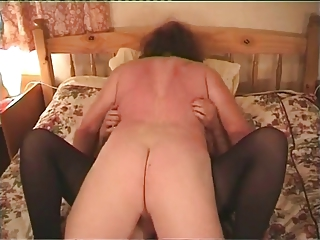 Mature Slut Gets Her Pussy Serviced