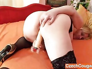 Amateur wife in addition to huge natural juggs having fun