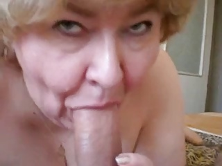Granny makes good sucks to cock