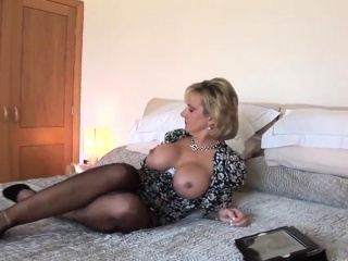 Hotwife uk cougar gal sonia introduces her meaty naturals