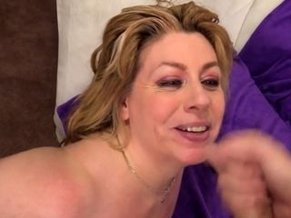 Dinkydult floozy gets say no to bowels sucked She gives dinky unerring blowjob