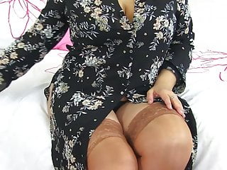 Mature huge-titted all-natural mommy Alexa from UK