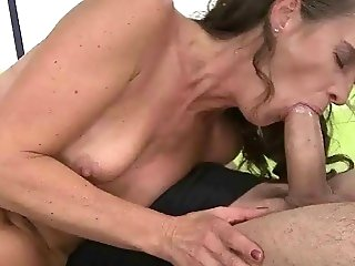 Sexy old bitch gets fucked rough