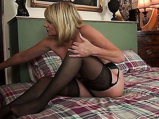 Bosomy all alone gal Amy Goodhead is prepared to unwrap and to pet her cooch