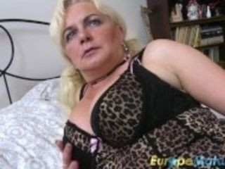 """EuropeMaturE blond damsel is toying on the Bed"""