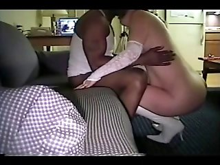 Amateur wife loves black cock