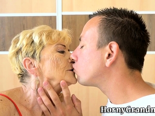 Ancient dame takes creampie