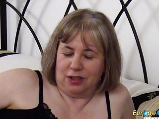 EuropeMaturE tempting Solo with lengthy fake penis
