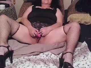 Mother very first time back showcases her step-son her super-hot cootchie