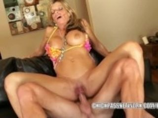 """""""Petite cougar Kristal Summers gets her pussy packed with cum"""""""