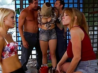 Darla Crane loves Ash Hollywoods tongue