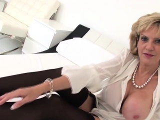 Adulterous brit cougar chick sonia introduces her large boo