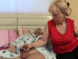Bazaar granny wakes him near be fitting of an anal have sex