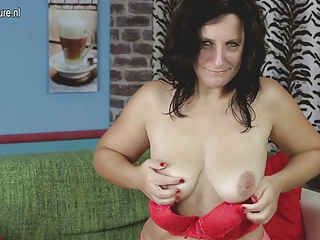 Sexy mother wants a hard cock