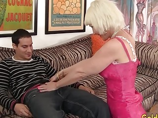 "Gorgeous grandmother Dalny Marga Is Pleasured by Her guy Toy|<iframe src=""https://embeds.sunporno.com/embed/1367651"" frameborder=""0&"