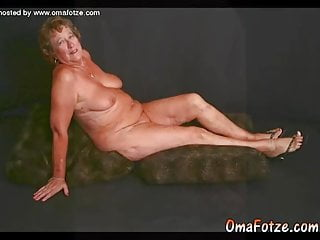 OmaFotzE Mature chicks and cougar Chicks bevy