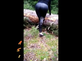 Whore in boots living in Switzerland looking for friends to fuck
