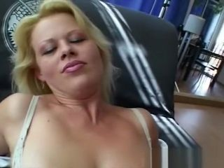 Ash-blonde jaw-dropping cougar On A first-ever appointment pummel