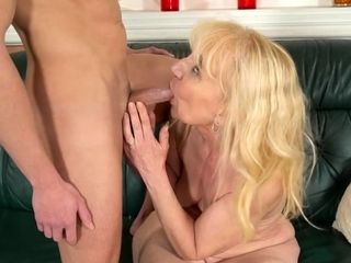 Grannie enjoys xxx intercourse with jism on her face
