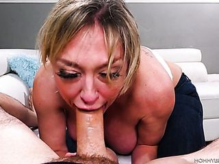 Ardent blowlerina Dee Williams is blessed to handle her fellow with a breastjob