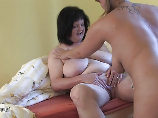 Mature mother Delora loves to play with young amateur girl