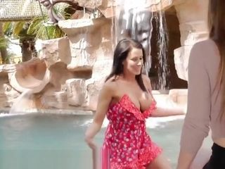 Lena Paul scissoring with provocative cougar by the Pool