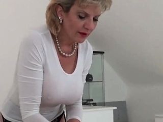 Faithless british milf descendant sonia flashes say no to chunky breast